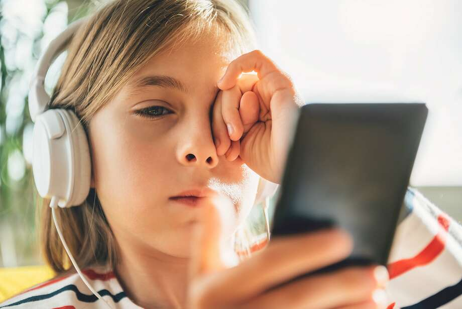 Silicon Valley parents are increasingly obsessed with keeping their children away from screens. Photo: Kerkez / Getty Images, Getty Images/iStockphoto