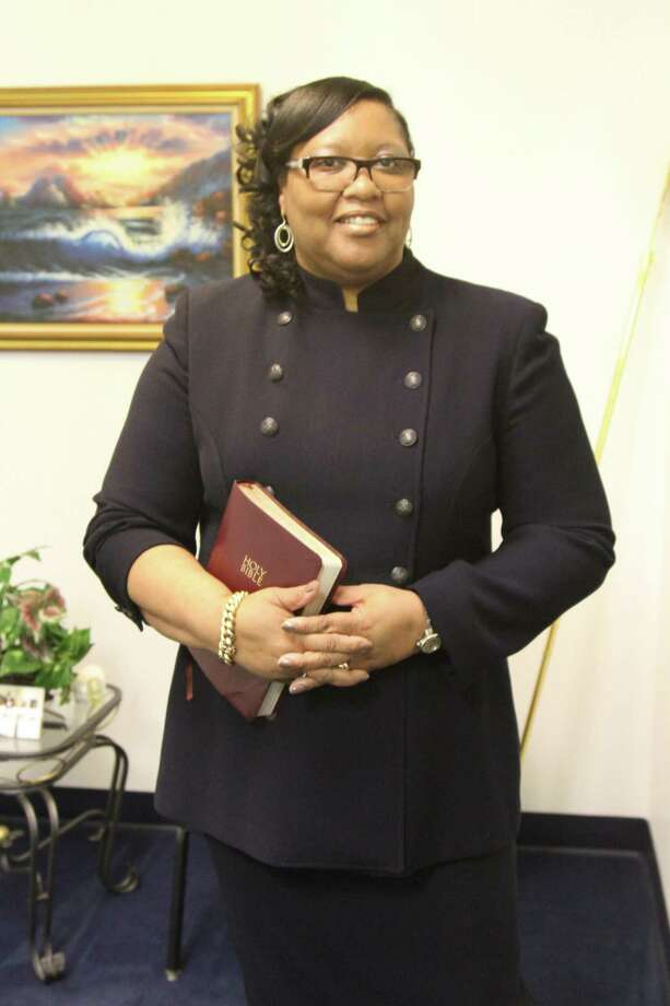 beloved hamden pastor kim carmichael of kingdom love center