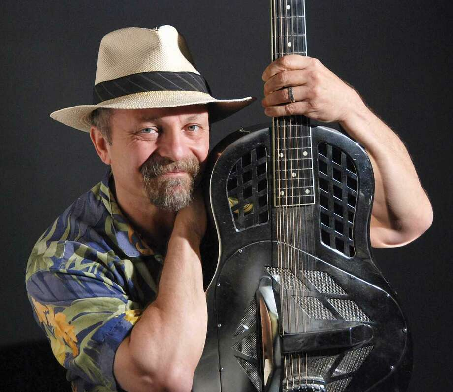 Acoustic bluesman Toby Walker will take on the winter blues Saturday in the latest entry in the Branford Folk Music Society's concert series. Photo: Courtesy Of Branford Folk Music Society