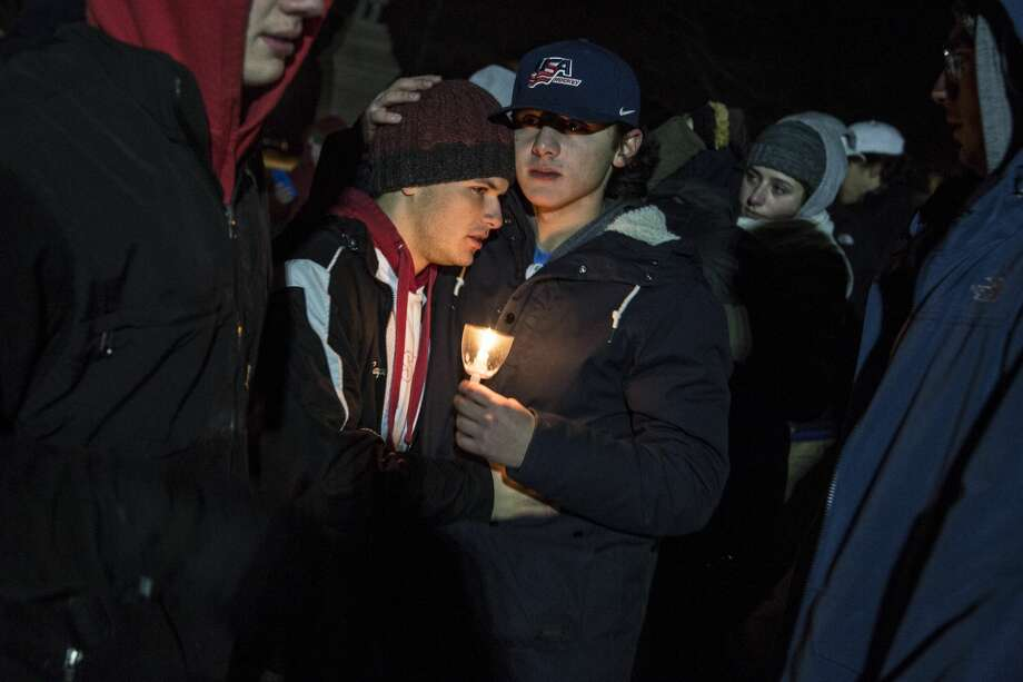 Candlelight vigil for Ethan Song in Guilford Photo: Derek Torrellas / For Hearst Connecticut Media
