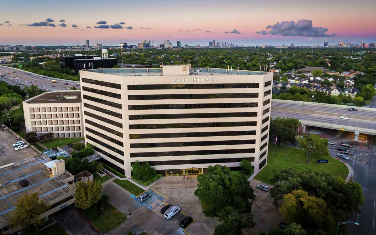 New York-based Norvin Healthcare Properties has purchased the Office at Pin Oak Park, a five-building medical and office complex on the 610 West Loop in Bellaire. Frost Bank is a tenant at 6750 Bellaire.
