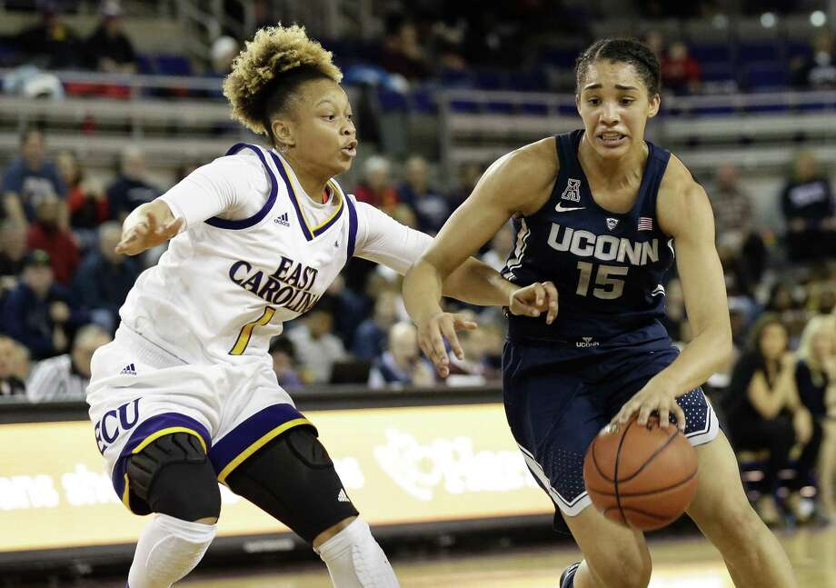 Gabby Williams, right, and the UConn women's basketball team take on Cincinnati on Sunday. Photo: Associated Press File Photo / Copyright 2018 The Associated Press. All rights reserved.