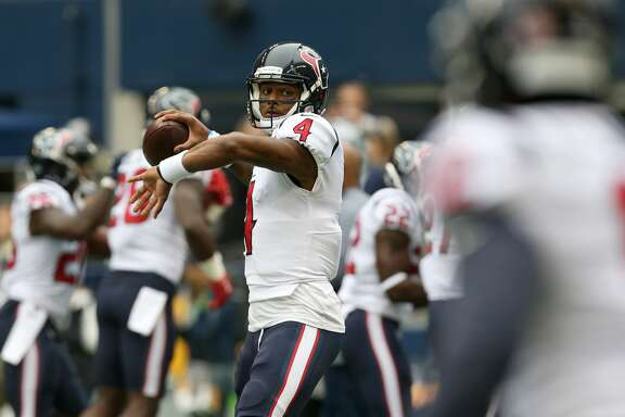 Houston Texans quarterback Deshaun Watson (4) throws the ball during warmup at CenturyLink Field Sunday, Oct. 29, 2017, in Seattle. ( Godofredo A. Vasquez / Houston Chronicle )