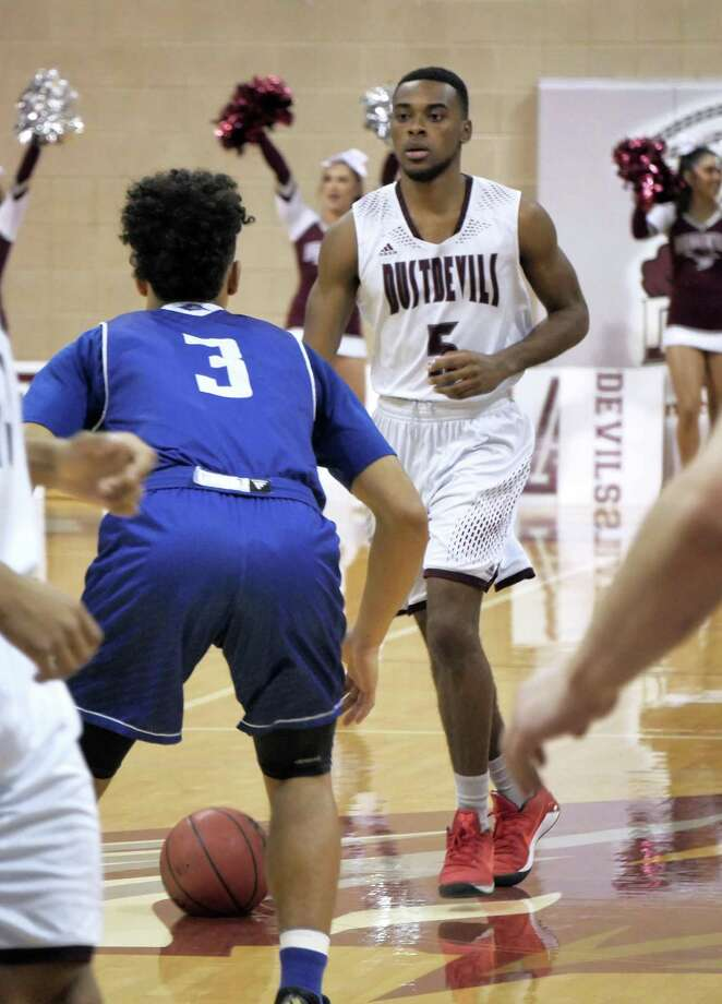 Jeremy Wright leads TAMIU into a pair of road games at Oklahoma Christian and Newman this week. The Dustdevils have won two straight league games after the defending champs began a program-worst 0-8 and are one back of the final postseason spot with six to play. Photo: Cuate Santos /Laredo Morning Times / Laredo Morning Times