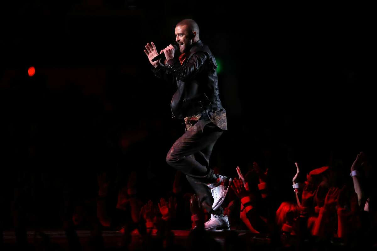 MINNEAPOLIS, MN - FEBRUARY 04: Justin Timberlake performs during the Pepsi Super Bowl LII Halftime Show at U.S. Bank Stadium on February 4, 2018 in Minneapolis, Minnesota. (Photo by Andy Lyons/Getty Images)