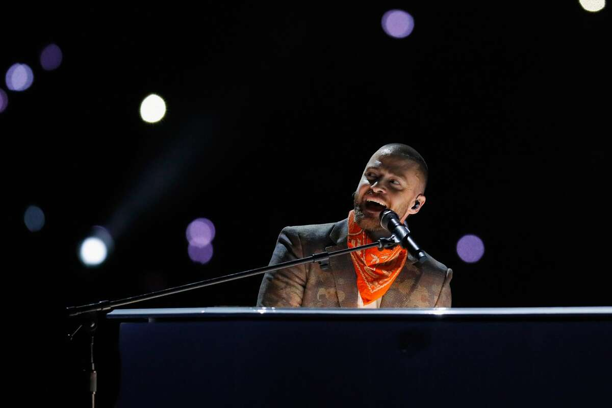 MINNEAPOLIS, MN - FEBRUARY 04: Justin Timberlake performs during the Pepsi Super Bowl LII Halftime Show at U.S. Bank Stadium on February 4, 2018 in Minneapolis, Minnesota. (Photo by Kevin C. Cox/Getty Images)