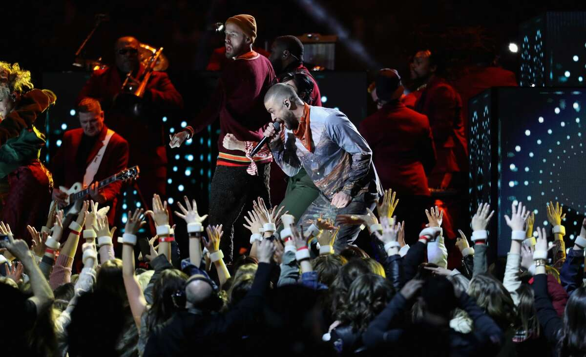 MINNEAPOLIS, MN - FEBRUARY 04: Justin Timberlake performs during the Pepsi Super Bowl LII Halftime Show at U.S. Bank Stadium on February 4, 2018 in Minneapolis, Minnesota. (Photo by Rob Carr/Getty Images)