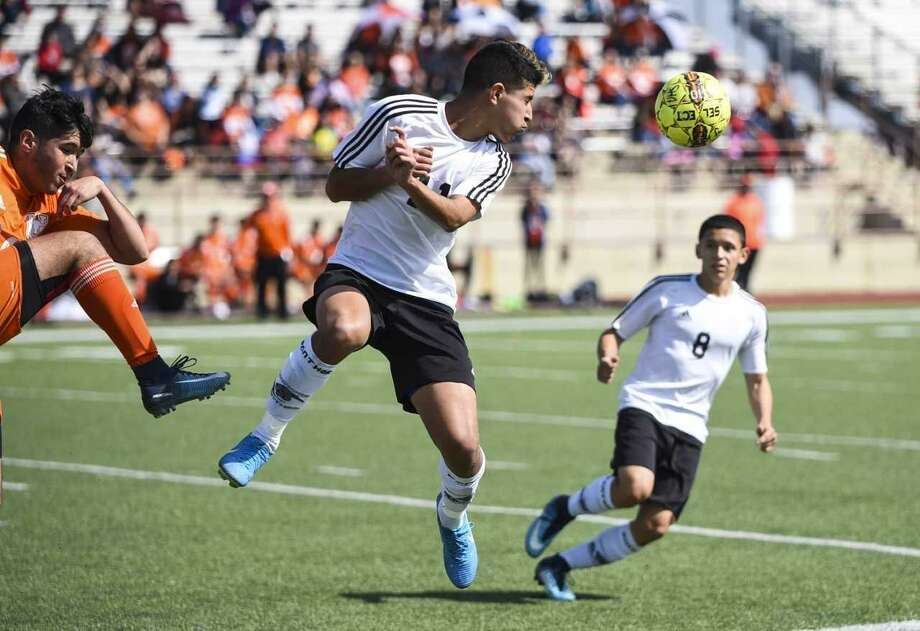 United South kept pace two games back of United for first place in District 29-6A with a 1-1 draw Saturday at the SAC. Photo: Danny Zaragoza / Laredo Morning Times