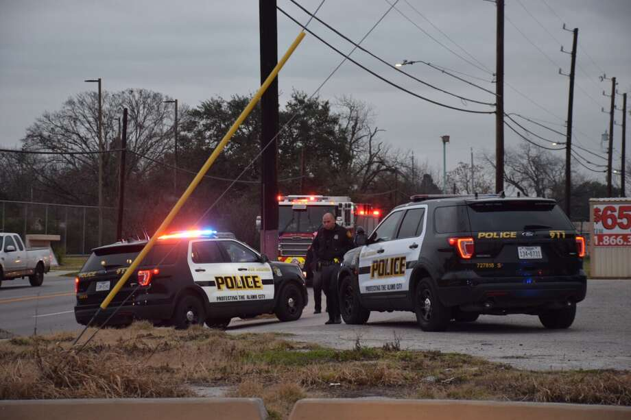 A 56-year-old man was stabbed twice in the neck Monday morning in the parking lot of a South Side park. Photo: Caleb Downs / San Antonio Express-News