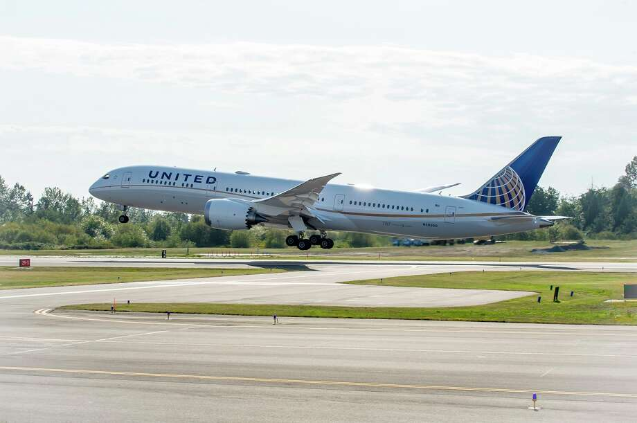 United Airlines is flying the Boeing 787-9 Dreamliner on its Houston-Sydney route. / 2014@The Boeing Company