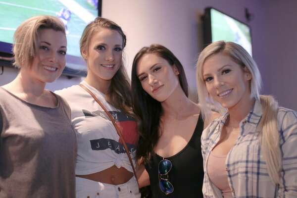 Super Bowl revelers in San Antonio threw down with food and booze at Slacker's North Star location on Sunday, Jan. 4, 2018. The watch party drew dozens with free food, door prizes, raffles, drink specials and more as viewers watched the Eagles upset the Patriots 41-33.