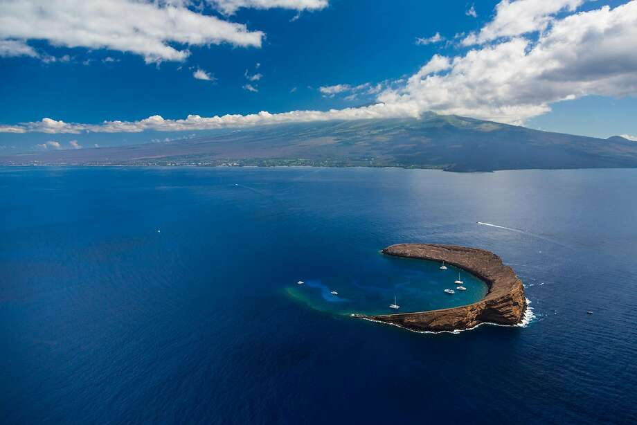 Maui Reef Adventures offers a new route to the popular snorkeling destination of Molokini, a partly submerged volcanic crater. Photo: Tor Johnson / Hawaii Tourism Authority