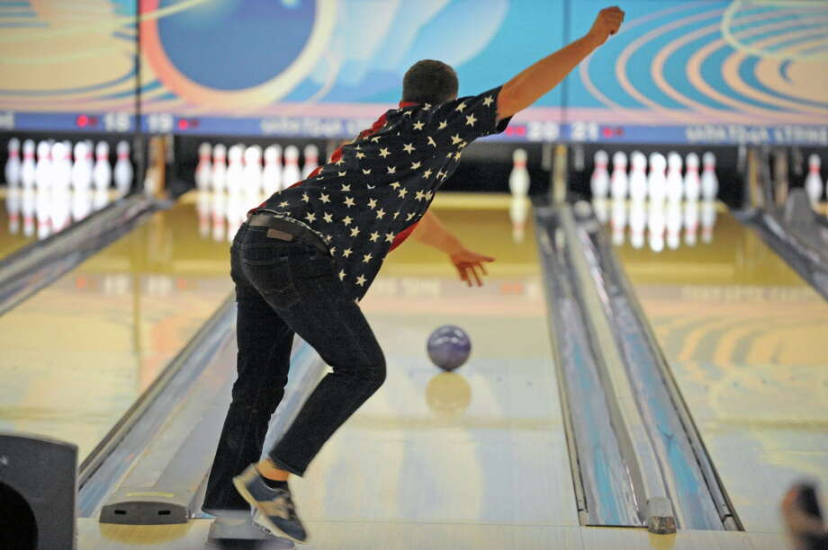 where to go bowling on thanksgiving morning times union