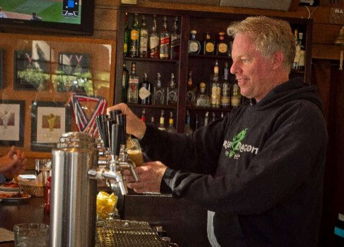 21st Amendment co-founder Shaun O'Sullivan pours a beer at the South of Market brew pub.