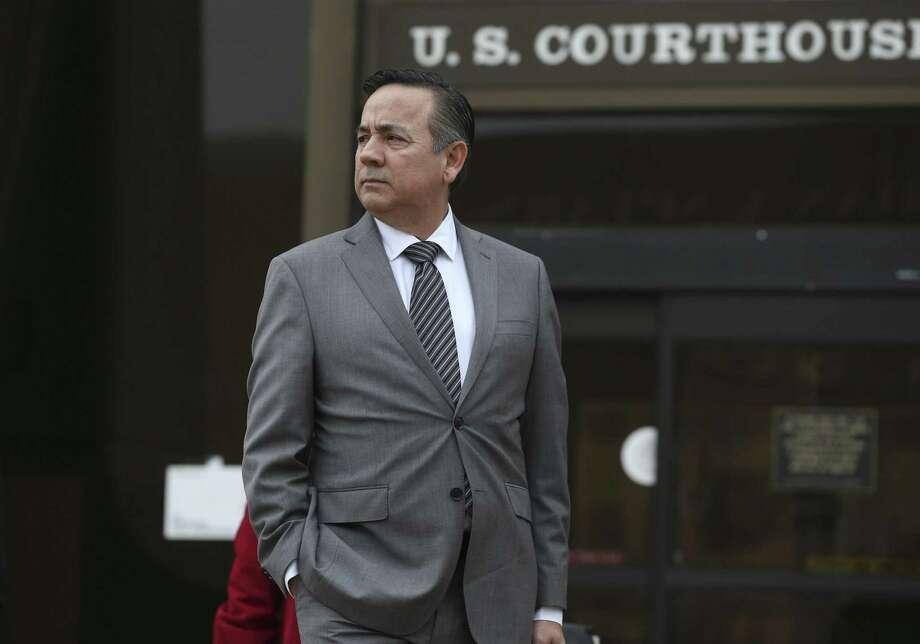 Texas State Sen. Carlos Uresti leaves the U.S. Federal Courthouse, Tuesday, Feb. 6, 2018. Uresti is on trial on criminal fraud charges with co-defendant Gary Cain in relation to the bankrupt fracking sand company, FourWinds Logistics. Photo: JERRY LARA / San Antonio Express-News / © 2018 San Antonio Express-News