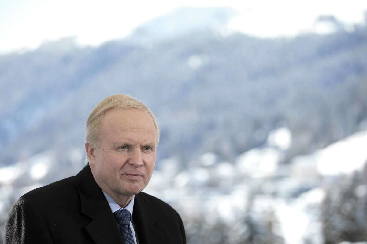 Bob Dudley, chief executive officer of BP Plc, pauses during a Bloomberg Television interview on the opening day of the World Economic Forum (WEF) in Davos, Switzerland, on Tuesday, Jan. 23, 2018. World leaders, influential executives, bankers and policy makers attend the 48th annual meeting of the World Economic Forum in Davos from Jan. 23 - 26. Photographer: Jason Alden/Bloomberg