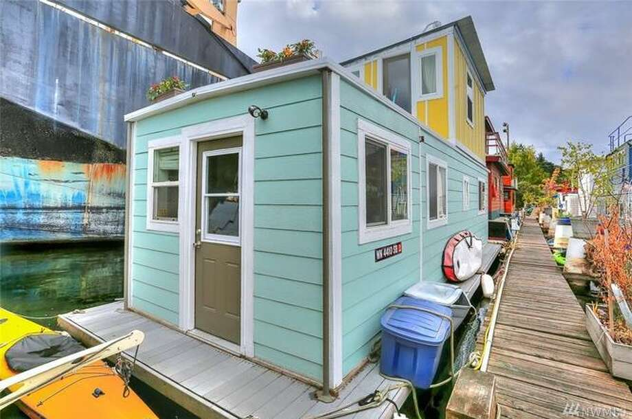 1080 W Ewing Place: tiny but charming houseboat for $330K. Photo: Photos: Beth Ann Warner