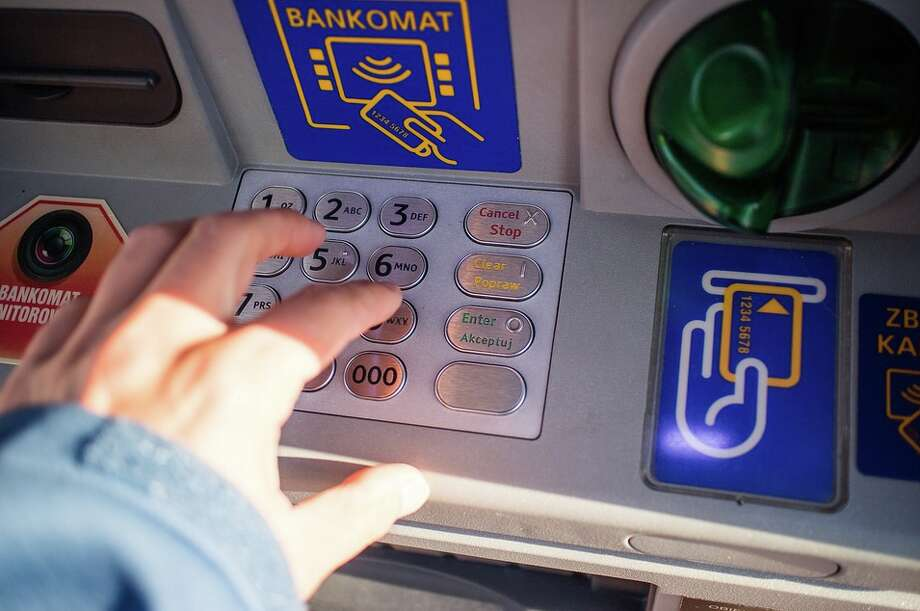 Visa's Global Travel Intentions study finds most travelers hesitate to use ATMs in other countries Photo: Pixabay