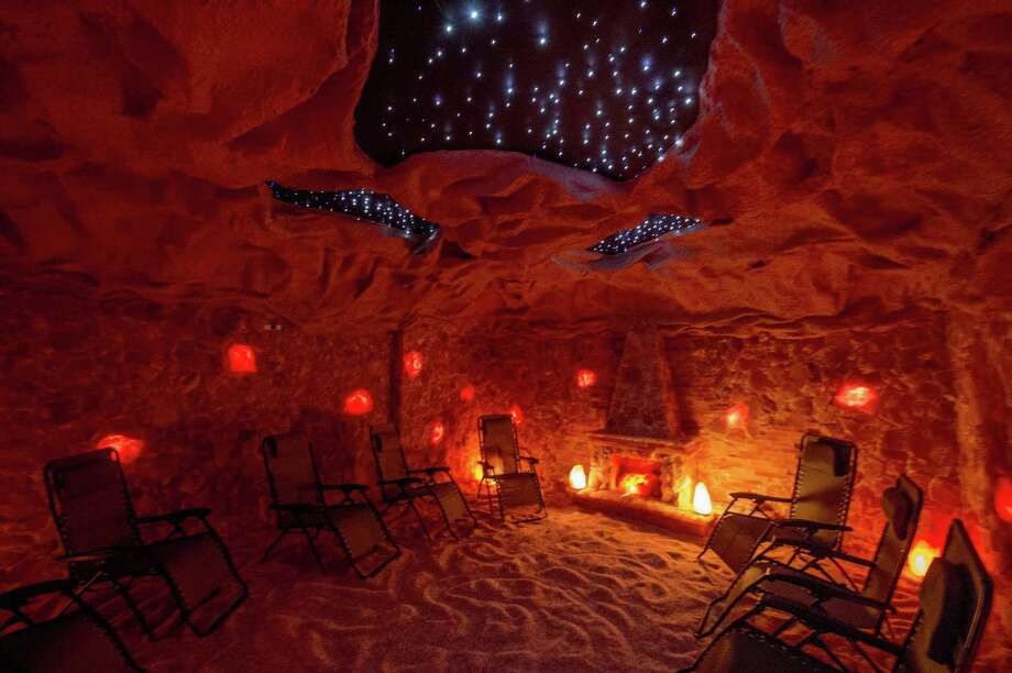 Interior view of a salt cave in Latham, New York. Photo: Skip Dickstein / Albany Times Union / 40040623A