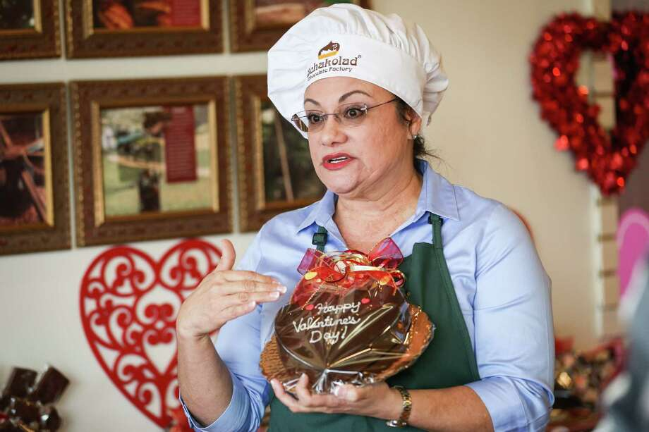 Veronica Kearney, owner of Schakolad Chocolate Factory, shows one of her top sellers, an edible chocolate heart, during a tour of her shop on Monday, Feb. 5, 2018, in The Woodlands. Photo: Michael Minasi, Staff Photographer / © 2017 Houston Chronicle