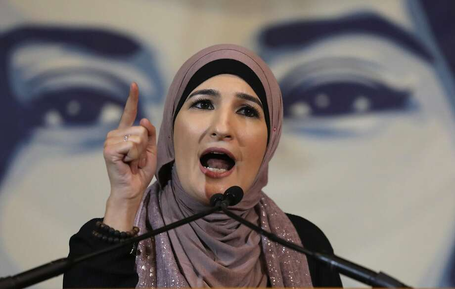 Activist Linda Sarsour speaks during a National Day of Action for a Dream Act Now protest on February 7, 2018 in Washington D.C. Photo: John Moore, Getty Images