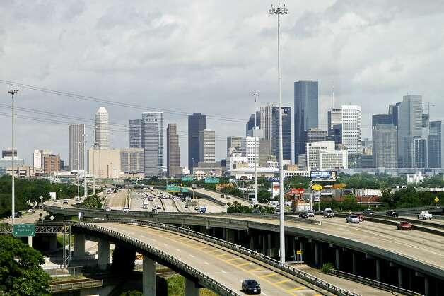 City: HoustonAverage rent for high-end apartment: $1,4481-bedroom apartments: $1,2293-bedroom apartments: $1,848 Photo: Michael Paulsen, Associated Press