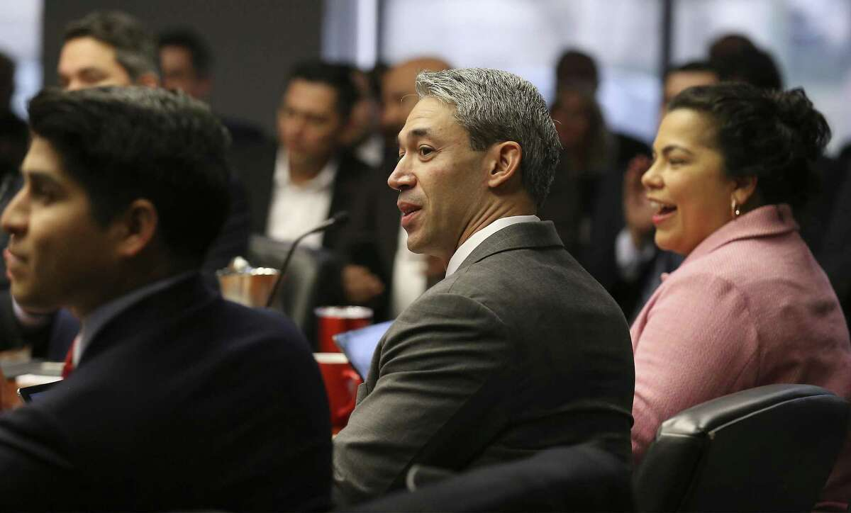 Mayor Ron Nirenberg (center) joins City Council members in a briefing on a proposal for a newly updated communications system for Fire, Police and City Public Service during a B Session meeting on Wednesday, Feb. 7, 2018. The contract for the city's update to public safety's communication system is valued at $100 million is down to two companies: Central Electric and Dailey-Wells. The council will vote to approve either contractor on February 15. (Kin Man Hui/San Antonio Express-News)