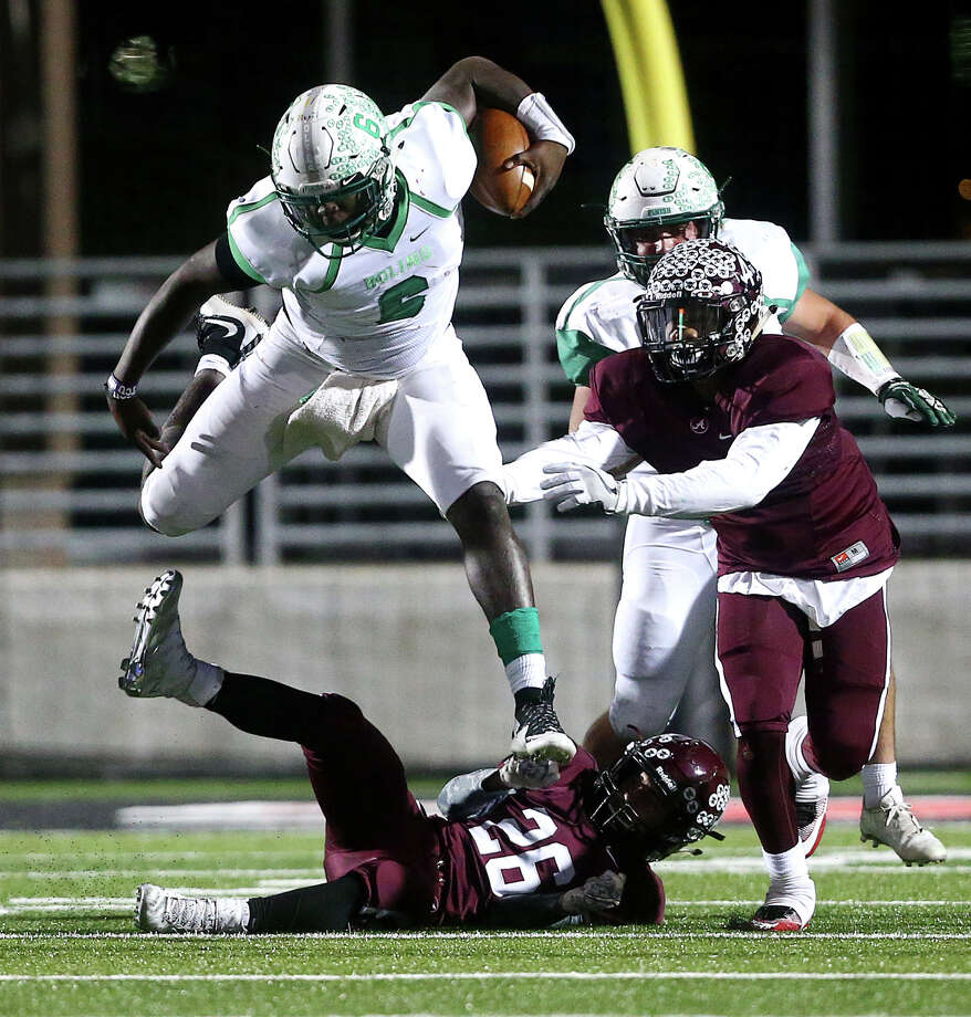 Vernon Jackson was a load while playing offense for Boling, but Texas A&M envisions him being a defensive end in college. Photo: Jon Shapley, Staff / © 2015  Houston Chronicle