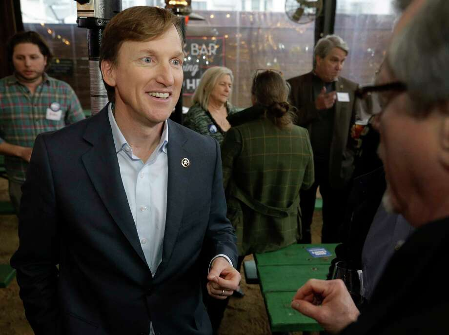 Andrew White, a Democrat running for governor, meets with supporters Wednesday at Kirby Ice House in Houston. Photo: Melissa Phillip, Houston Chronicle / © 2018 Houston Chronicle