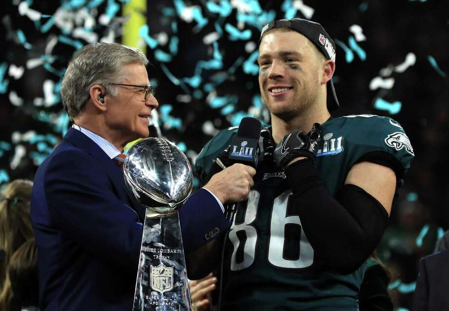 NBC host Dan Patrick interviews Philadelphia Eagles tight end Zach Ertz after the Eagles' 41-33 defeat of the New England Patriots in Super Bowl LII at U.S. Bank Stadium on Feb. 4, 2018, in Minneapolis. Photo: Mike Ehrmann / Getty Images / 2018 Getty Images