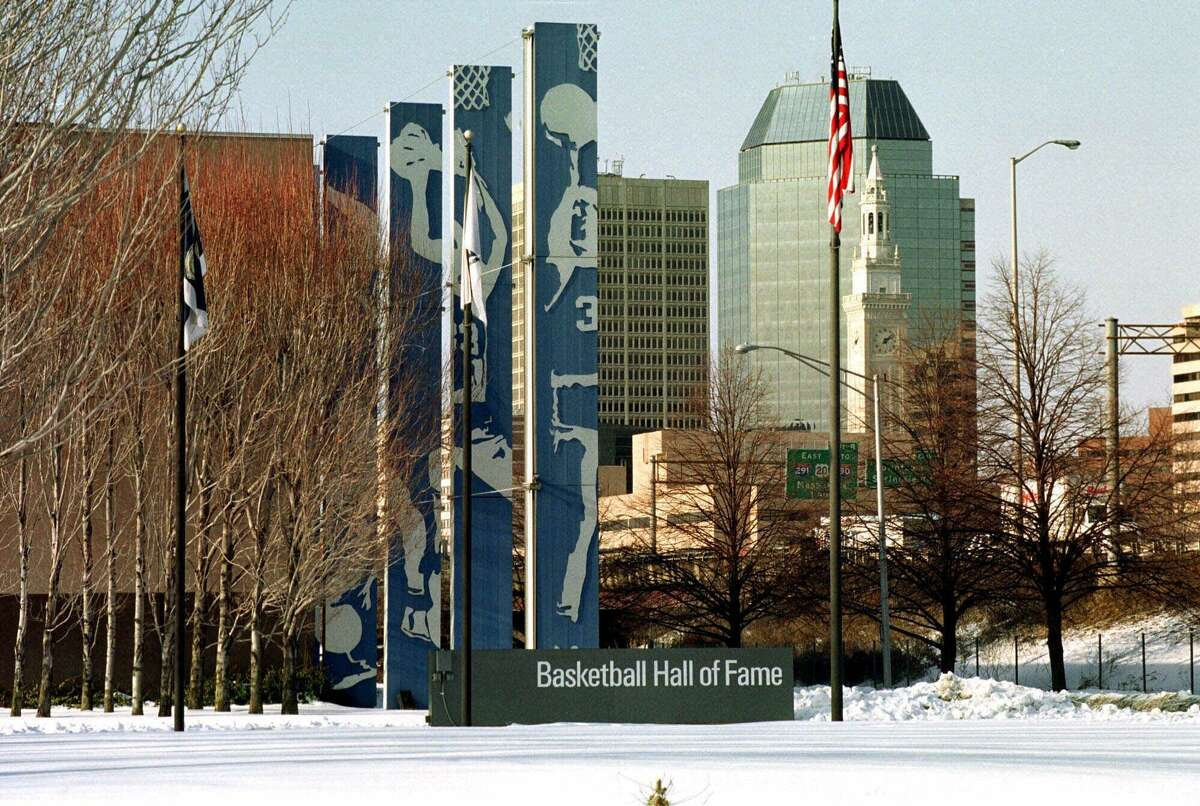 MassMutual is pulling out of Enfield, Conn., moving 1,500 jobs to nearby Springfield, Mass. in a decision announced Feb. 8, 2018.