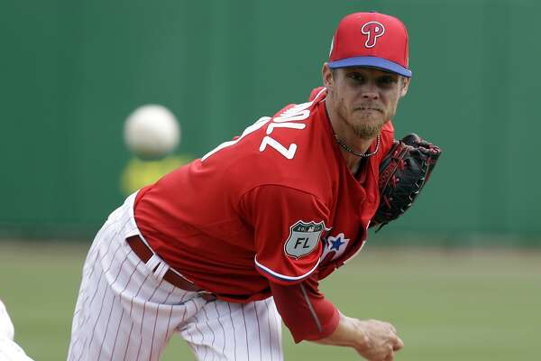 Philadelphia Phillies starting pitcher Clay Buchholz throws in the first inning of a spring training baseball game against the Tampa Bay Rays, Friday, March 31, 2017, in Clearwater, Fla. (AP Photo/John Raoux)