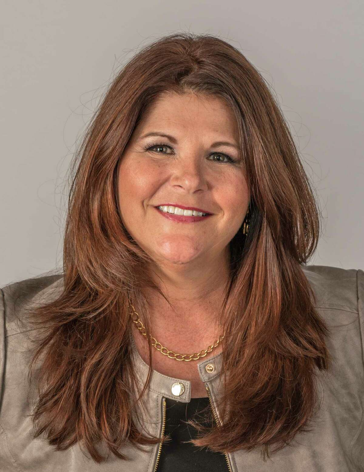 Michele Pawelek of Greystar has been installed as2018 president of the Houston Apartment Association.