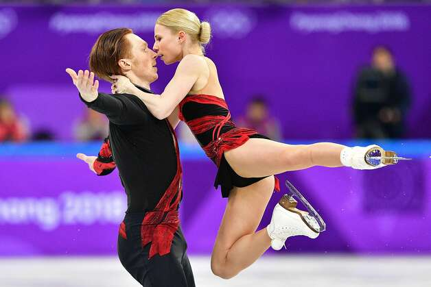 Russia's Evgenia Tarasova (R) and Russia's Vladimir Morozov compete in the figure skating team event pair skating short program during the Pyeongchang 2018 Winter Olympic Games at the Gangneung Ice Arena in Gangneung on February 9, 2018. Photo: MLADEN ANTONOV, AFP/Getty Images