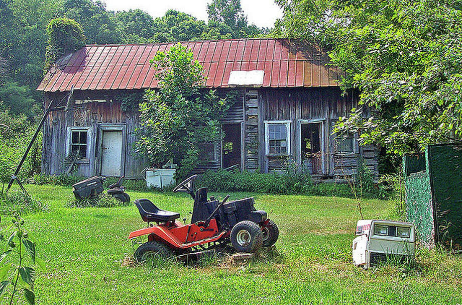Cleaning up properties in Meredosia was the main topic for the Meredosia Village Board at its August meeting. Photo: Photo By Don O'Brien