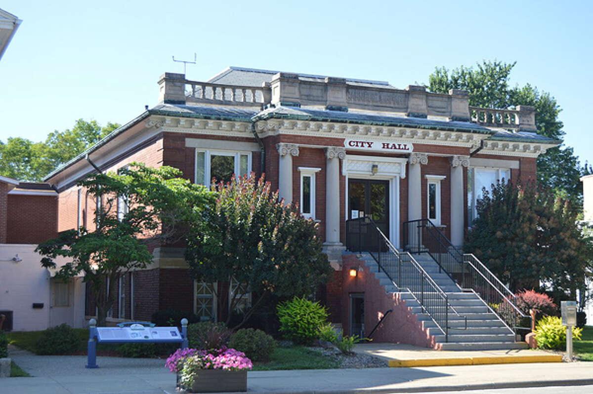 Beardstown City Hall.