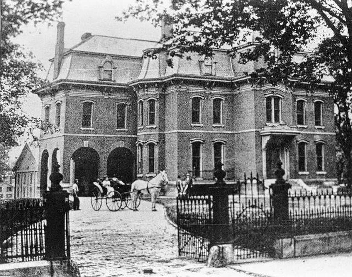 Phebe Strawn's Jacksonville mansion, home to the David Strawn Art Gallery since 1915, as it appeared in the early 1900s.