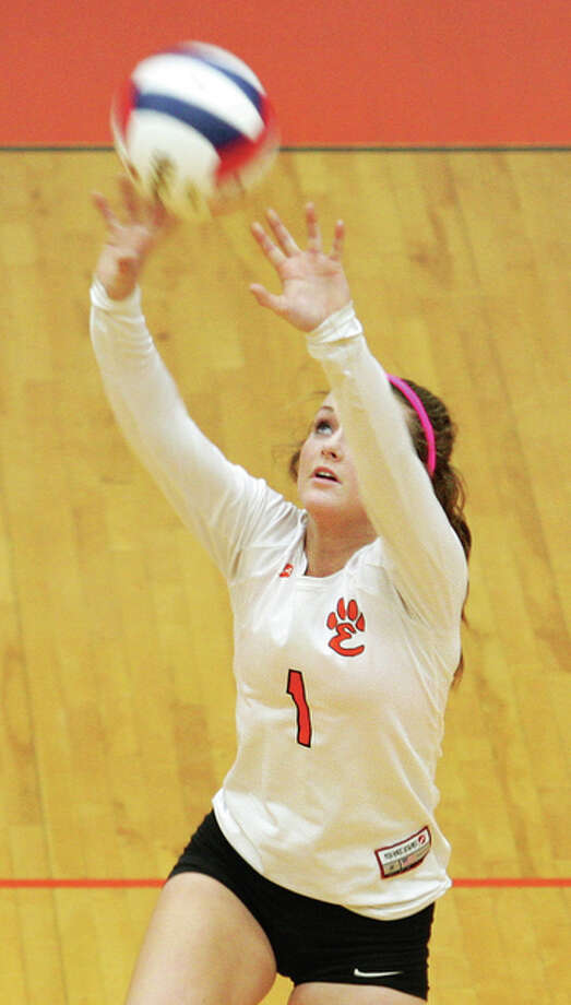 First team All-SWC libero Rachel Anderson is back for her senior season at Edwardsville. Photo: James B. Ritter / For The Telegraph