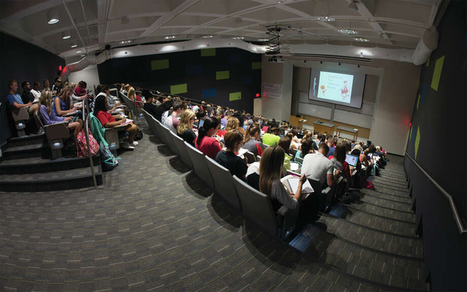 renovated science lecture hall 08-24-15