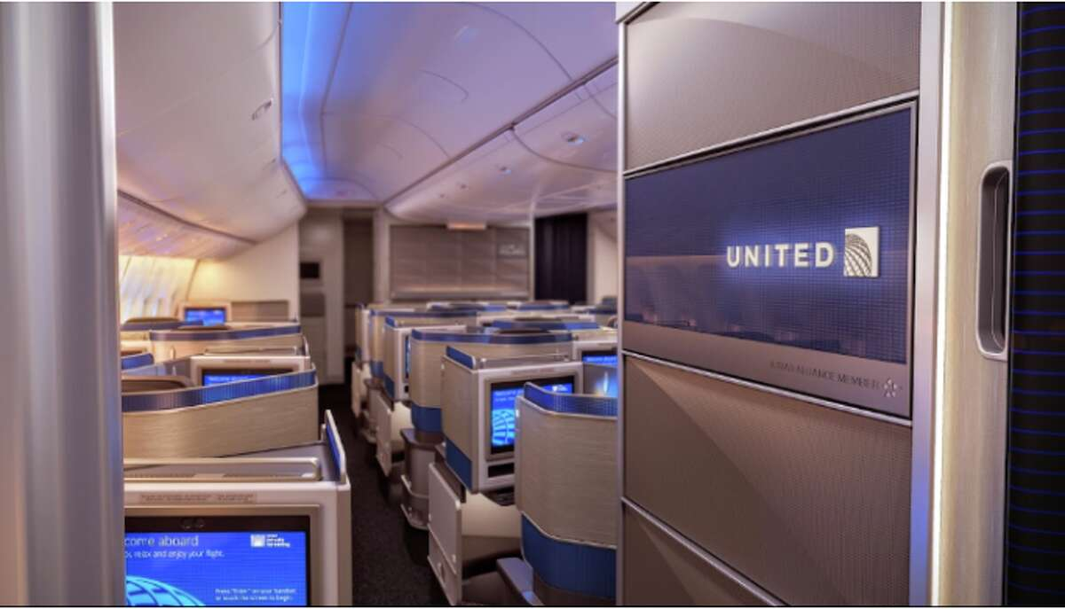 Changes in United's new Polaris business class have travelers scratching their heads