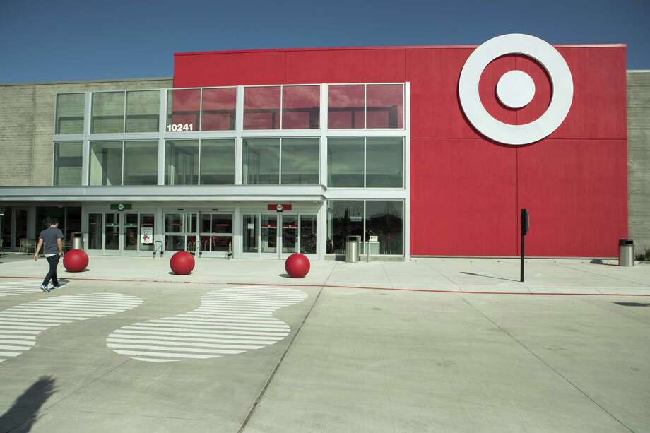 Starting Thursday, Target will partner with subscription delivery service Shipt to handle same-day shipments of orders made to the Minneapolis-based retailer's 14 stores in the greater San Antonio area. Photo: Brett Coomer /Houston Chronicle / © 2017 Houston Chronicle