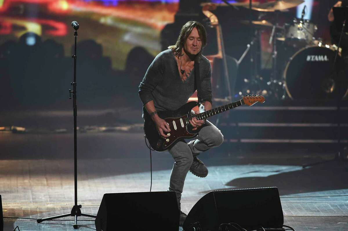 Keith Urban performs onstage at the 2018 MusiCares Person of the Year tribute honoring Fleetwood Mac at the Radio City Music Hall on Friday, Jan. 26, 2018 in New York. (Photo by Evan Agostini/Invision/AP)