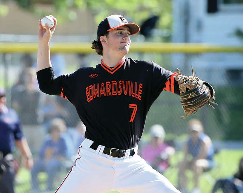 Edwardsville pitcher Kade Burns, shown working in his win over O'Fallon in a Class 4A sectional semifinal win over O'Fallon on May 31 at Collinsville, went the distance Monday in the Tigers' 11-3 win over Orland Park Sandburg in the Champaign Super-Sectional at Illinois Field. Burns improved to 11-1 with the win. Photo: Scott Kane / For The Telegraph
