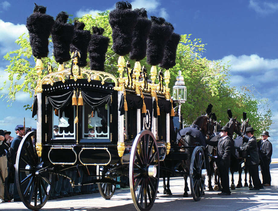 Lincoln Funeral Coach Replica On Display In Roodhouse This Week