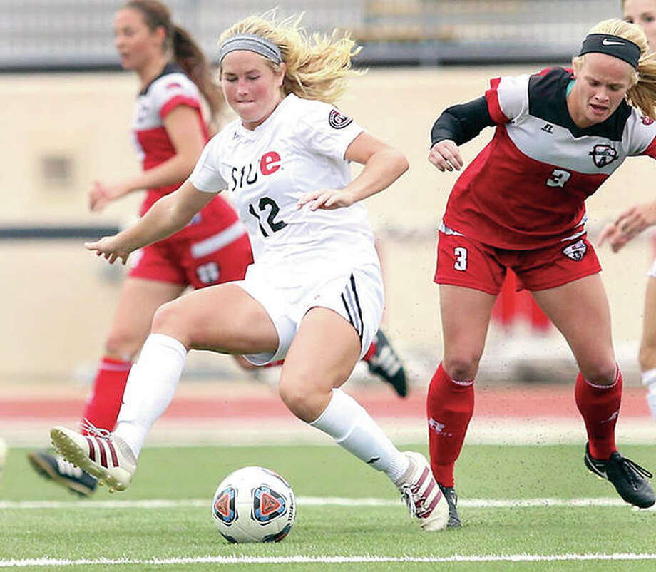 Civic Memorial high grad Lindsey Fencel (12) returns for her senior season this fall for the SIUE women's soccer team. The defending Ohio Valley Champion Cougars have announced their 2017 schedule, which includes nine home games. Photo: SIUE Athletics
