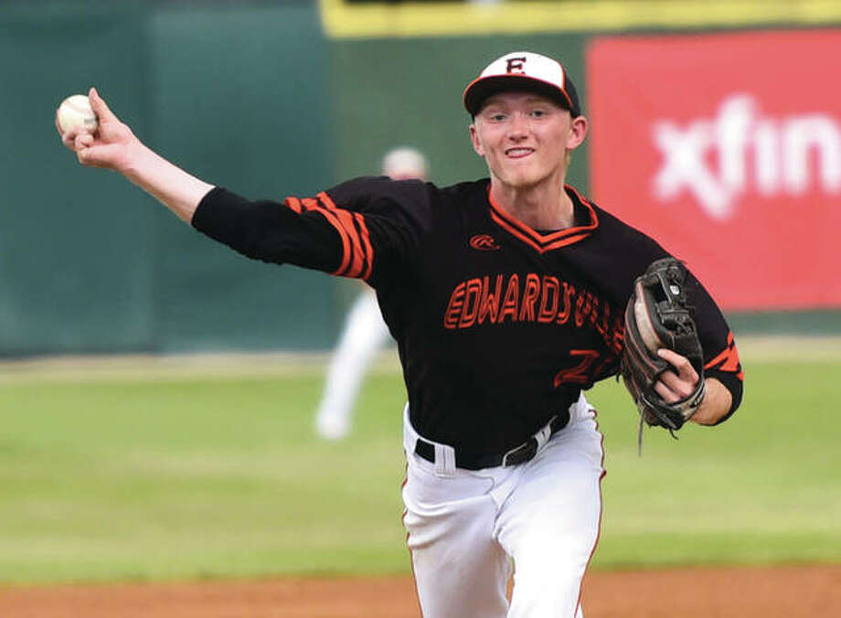 Edwardsville's Andrew Yancik, shown pitcing against Burbank St. Laurence in the Class 4A state semifinals in Joliet on June 9, made his first legion start of the summer Sunday for the Metro East Bears and turned in a three-hit shutout. Photo: Gary Middendorf / For The Telegraph
