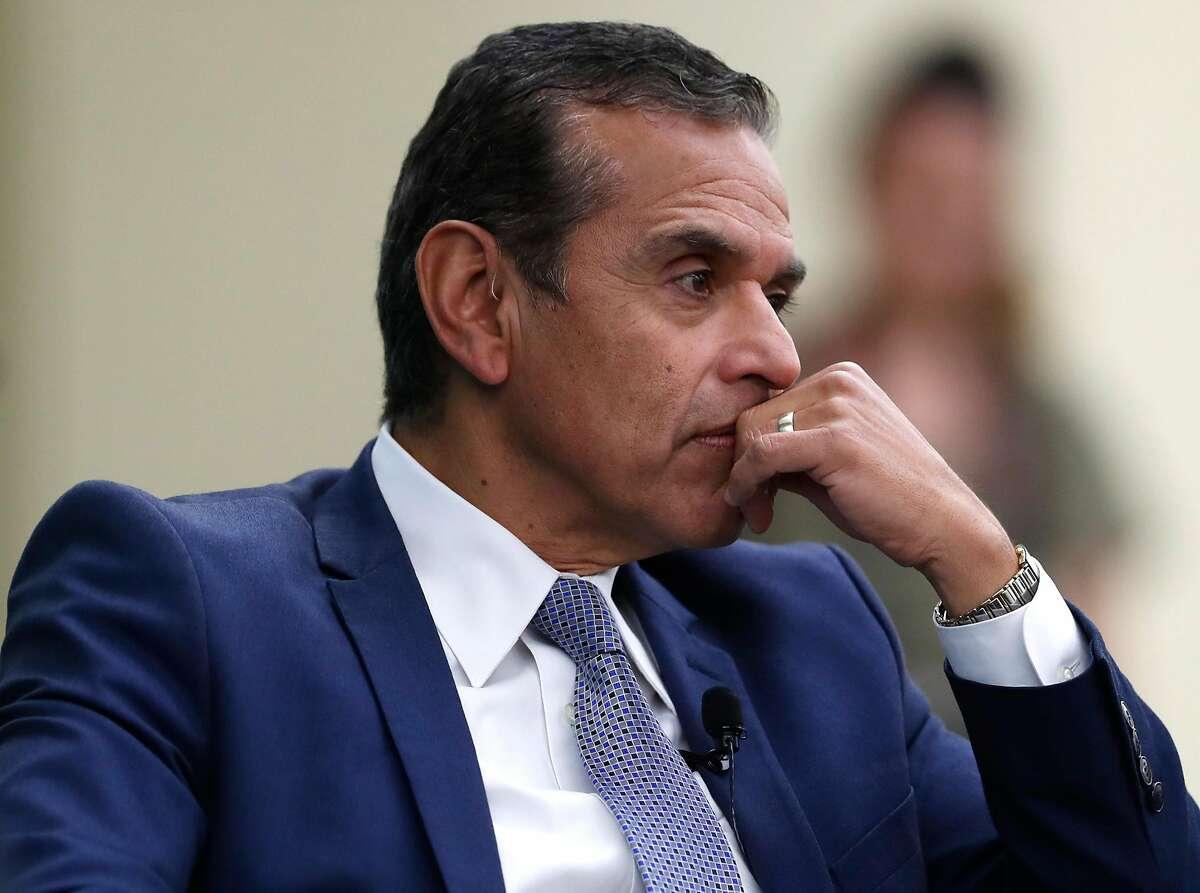 Gubernatorial candidate Antonio Villaraigosa must explain his behavior to voters.
