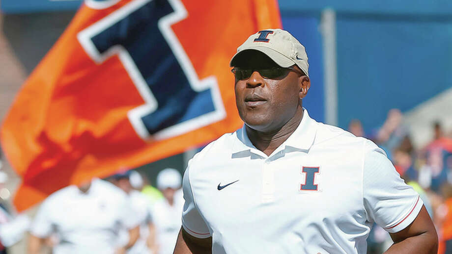 Illini watchers can't get past the fact that a long injury list and a shortage of passers and receivers caused football coach Lovie Smith to cancel the customary Illini spring game. Photo: AP File Photo