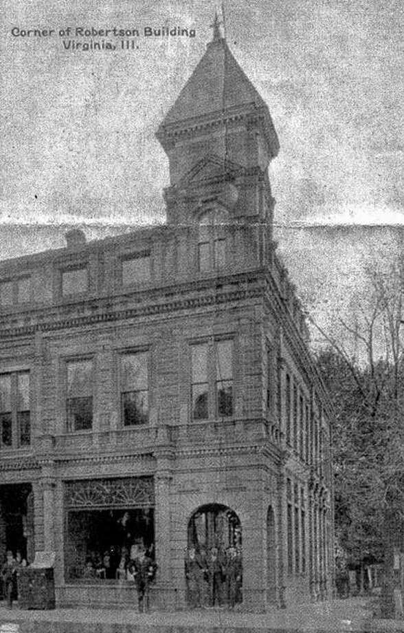 The Farmers National Bank building in Virginia around 1900.