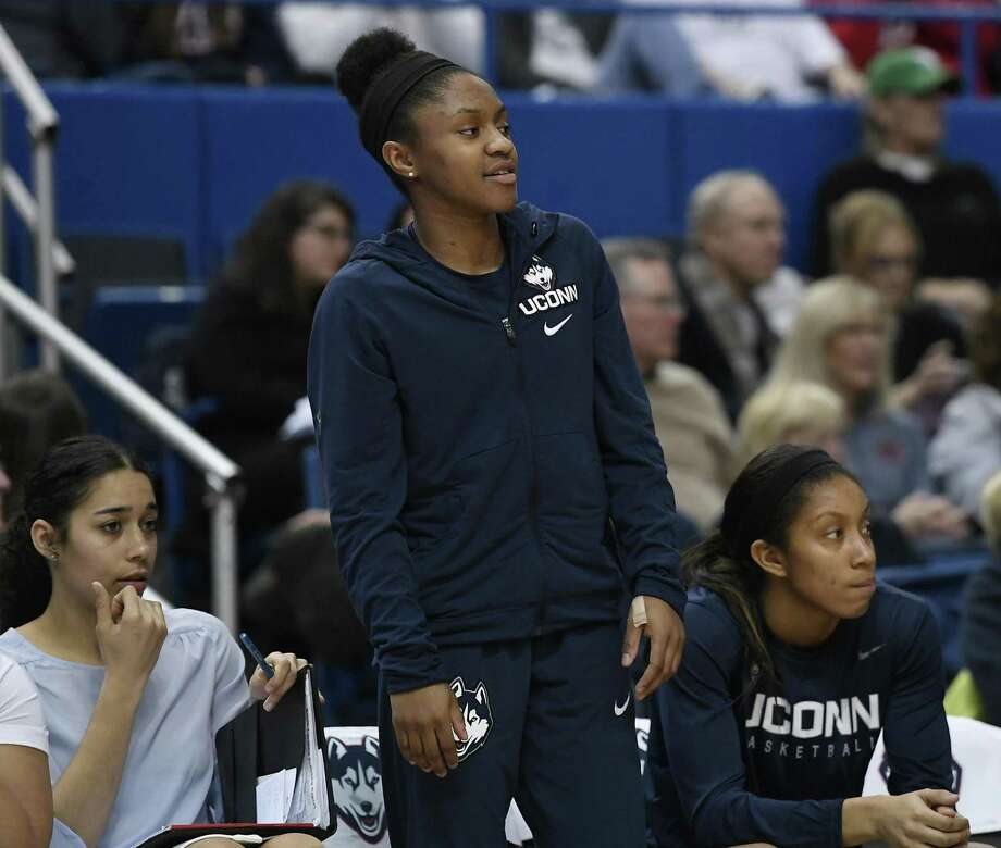 UConn's Crystal Dangerfield could be back in the lineup on Saturday against Wichita State. Photo: Jessica Hill / Associated Press / AP2018